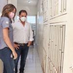 Julián Zacarías Curi visita la veterinaria municipal
